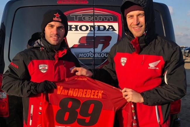 Jérémy Van Horebeek dans le sable avec le team Honda SR