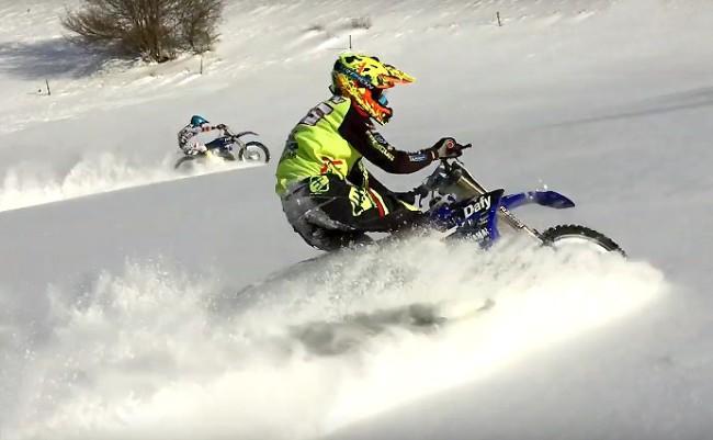 Vidéo : deux 125cc dans la neige de Haute-Savoie