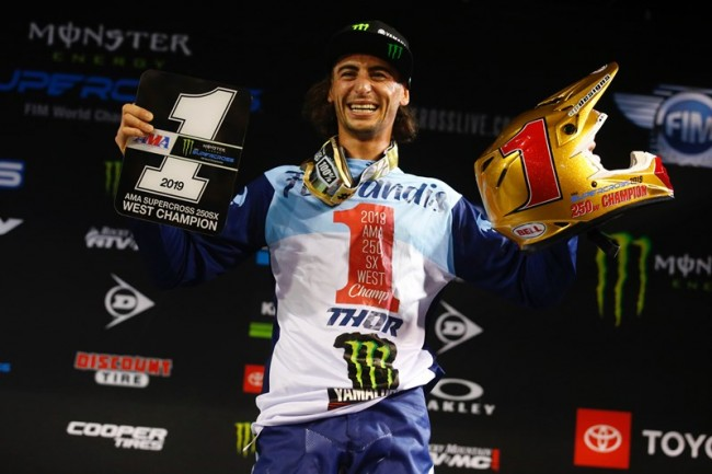 "Dylan Ferrandis s'ajoute au ""Wall of Champions"" Yamaha"