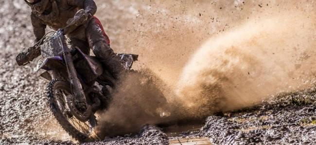 Photos : le championnat MXGP s'ouvre dans la boue à Matterley Basin