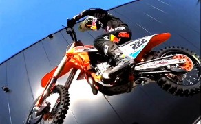 """Stay at Home"" : le clip vidéo d'Antonio Cairoli"