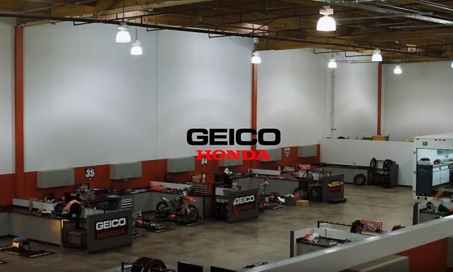 Vidéo : en visite au Race Shop du team Honda Geico