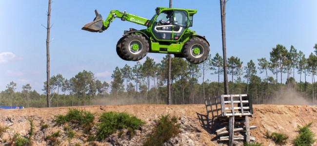 Vidéo : un engin de chantier sur la piste du Bud Racing Training Camp