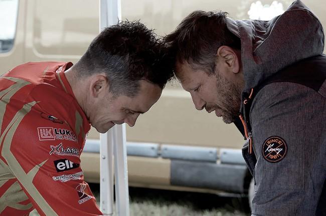 Marc Fraikin et Thierry Klutz au départ du Honville Cross-Country au guidon d'une Rieju 300