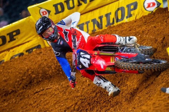 Premier succès en Supercross pour Hunter Lawrence