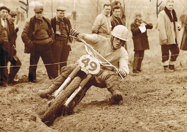Joël Robert en action au guidon d'une CZ lors du GP de Belgique en 1964, l'année de son premier titre mondial.