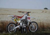 La légendaire Yamaha YZM 500 aux mains de Pierrick Paget